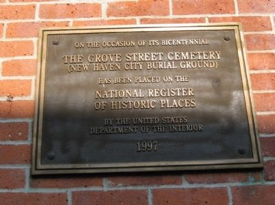 Plaque at the right of the entrance door image. Click for full size.