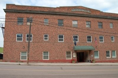Courtney Hotel image. Click for full size.
