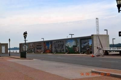 Paducah Wall to Wall Floodwall Mural Project image. Click for full size.