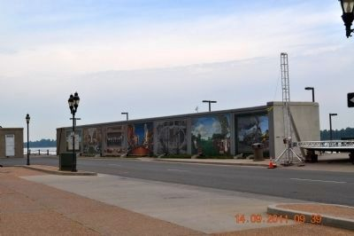 The Paducah Wall to Wall Floodwall Mural Project image. Click for full size.