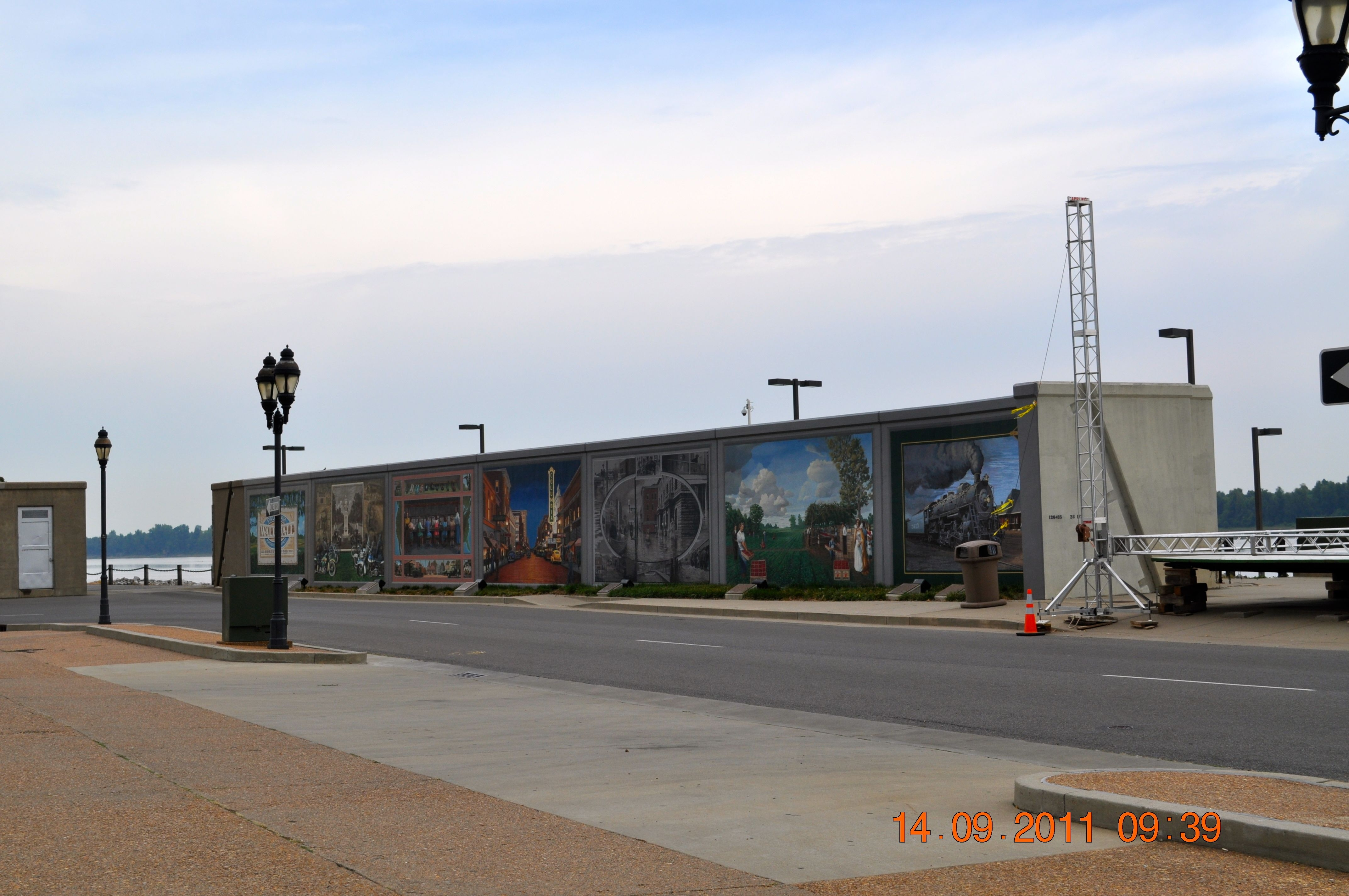 The Paducah Wall to Wall Floodwall Mural Project