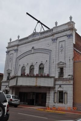 Columbia Theater on Broadway Street image. Click for full size.