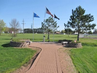 Loyal Veterans Memorial image. Click for full size.