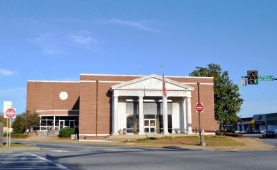 Laurens County Courthouse image. Click for full size.