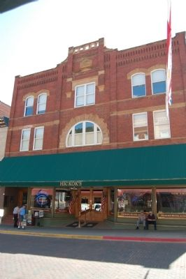 The front of Hickok's Hotel and Gaming on Main Street image. Click for full size.