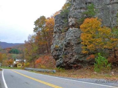 Rock formation across the road from the marker image. Click for full size.