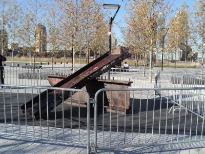 Beams from the World Trade Center image. Click for full size.