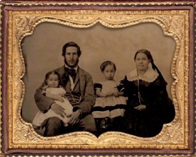 Lent Munson Hitchcock with wife Emily and their two children image. Click for full size.