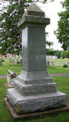 Louisburg Civil War Memorial [North Face] image. Click for full size.
