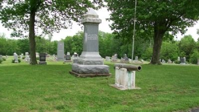 Louisburg Civil War Memorial image. Click for full size.