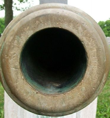 Louisburg Civil War Memorial Cannon image. Click for full size.