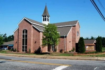 Holy Cross Episcopal Church<br>203 East College Street Simpsonville image. Click for full size.