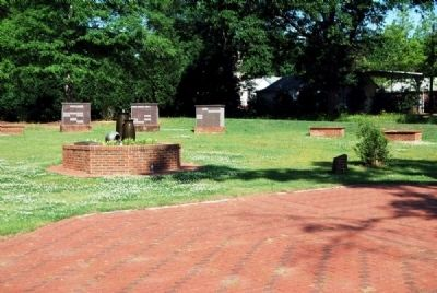 Holy Cross Episcopal Church Labyrinth & Marker image. Click for full size.