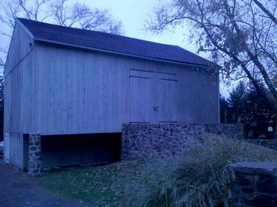 Pennsylvania Style Forebay Bank Barn image. Click for full size.