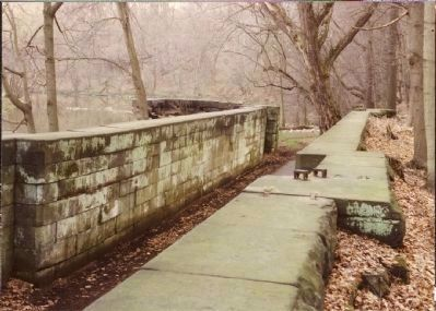 Erie Extension Canal Lock #10 image. Click for full size.