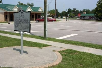 Fairfax Marker at 7th Street near Sumter Avenue, looking north image. Click for full size.