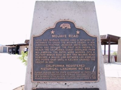 Mojave Road Marker image. Click for full size.