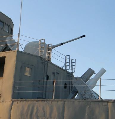 USS <i>Recruit</i>: close-up, forward gun and missle launcher image. Click for full size.