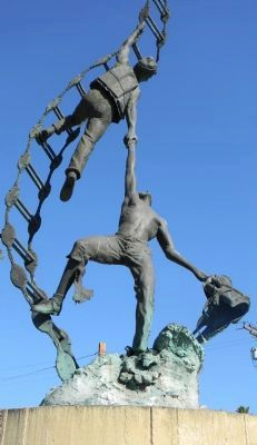 'Jacobs Ladder', centerpiece, American Merchant Marine Veterans Memorial image. Click for full size.