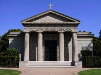 Classic Grecian Mausoleum image. Click for full size.