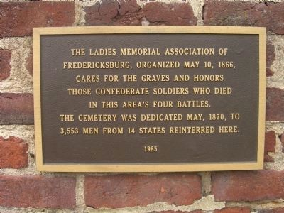 Plaque at the entrance of the Confederate Cemetery image. Click for full size.