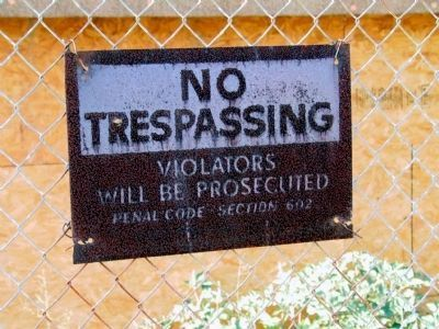 No Trespassing image. Click for full size.