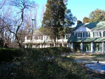 Reynolda House (left) image. Click for full size.