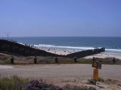 Border Fence image. Click for full size.