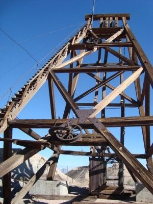 The Silver Top Mine Headframe in Tonopah Histoirc Mining Park image. Click for full size.