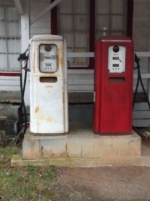 Jones Grocery Store gas pumps image. Click for full size.