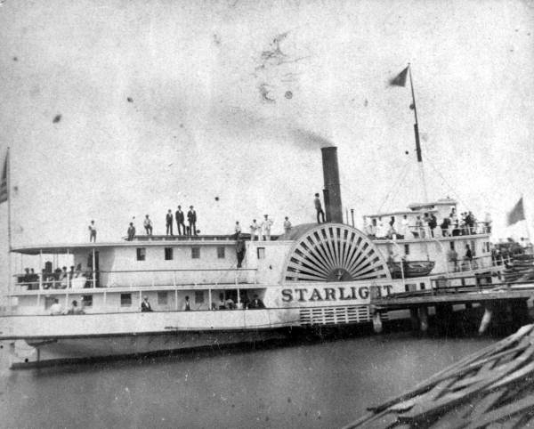 Side wheel steamboat <i>Starlight</i>