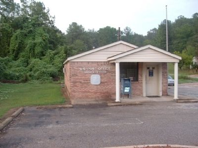 Darden Post Office image. Click for full size.