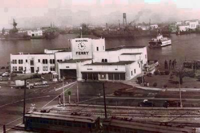 Municipal Ferry Building (San Pedro, 1941) image. Click for full size.