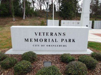 Veterans Memorial Park Sign image. Click for full size.
