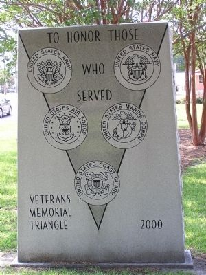 Veterans Memorial Triangle Marker image. Click for full size.