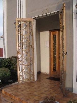 Beautiful Deco Doors image. Click for full size.