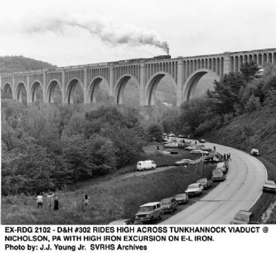 Tunkhannock Viaduct image. Click for full size.