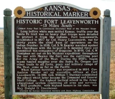 Historic Fort Leavenworth Marker image. Click for full size.
