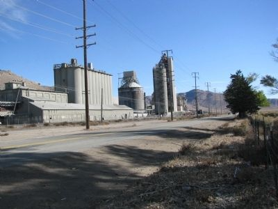Lehigh Cement Company-Tehachapi Plant image. Click for full size.