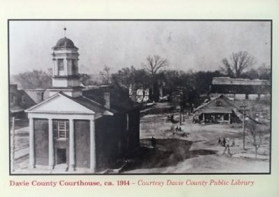 Davie County Courthouse image. Click for full size.