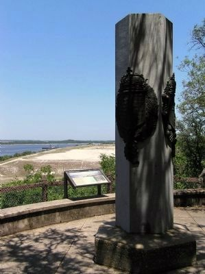 Wide view of the Ribault Monument Marker image. Click for full size.