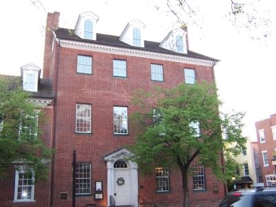 The Gadsby's Tavern image. Click for full size.