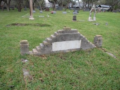 John Fagan gravesite - Marker is on far side and not visible image. Click for full size.