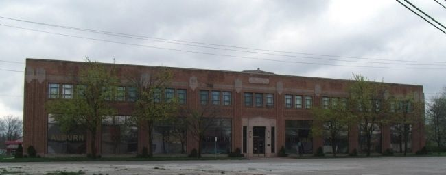 Front of Auburn Automobile Company Museum image. Click for full size.