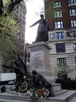 Lajos Kossuth Monument image. Click for full size.