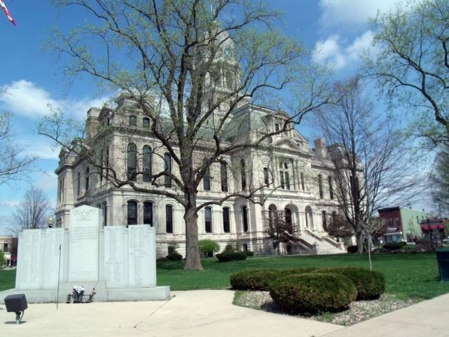 Kosciusko County Courthouse -and- War Memorial Marker image. Click for full size.