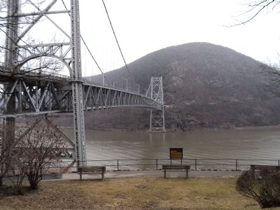Anthonys Nose and Bear Mt. Bridge image. Click for full size.