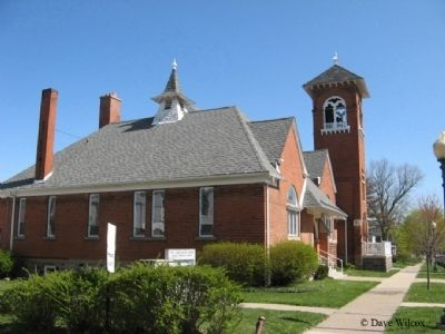 First Congregational Church - West side view image. Click for full size.