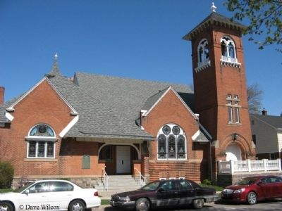 First Congregational Church - South side view image. Click for full size.