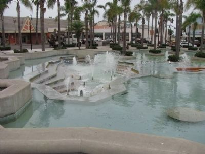 Oceanside Civic Center Fountain image. Click for full size.